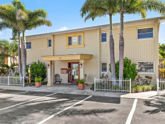 Brought to you by Florida Sun Vacation Rentals the Dockside Villas. Four units.