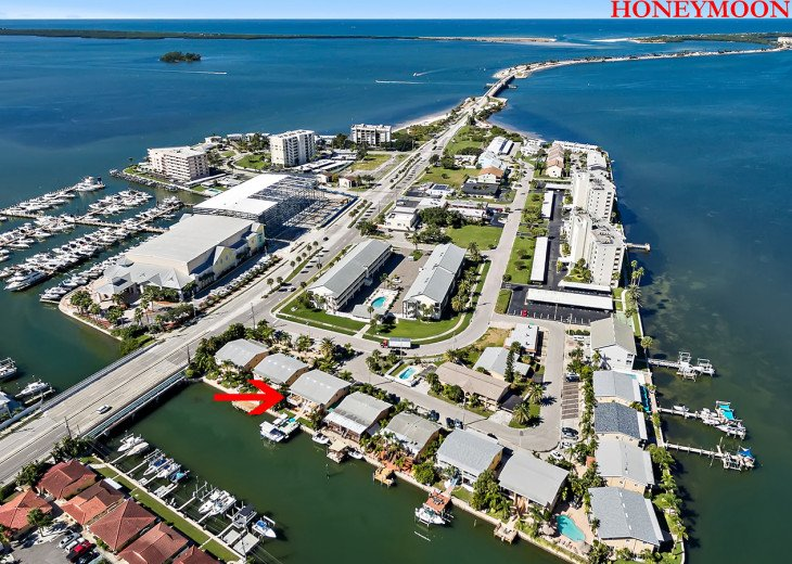Location is everything and Dockside Villas is near it all.