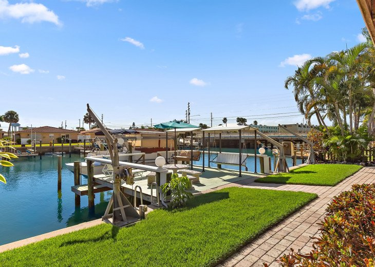 Bring your boat and tie to our dock at no extra cost.