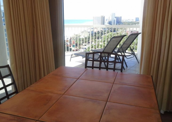 West End Unit with 2 Kings, 2 Queens and Queen SS - 11th Floor - over 2,000 SqFt #5