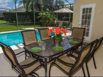 Table & chairs under covered lanai
