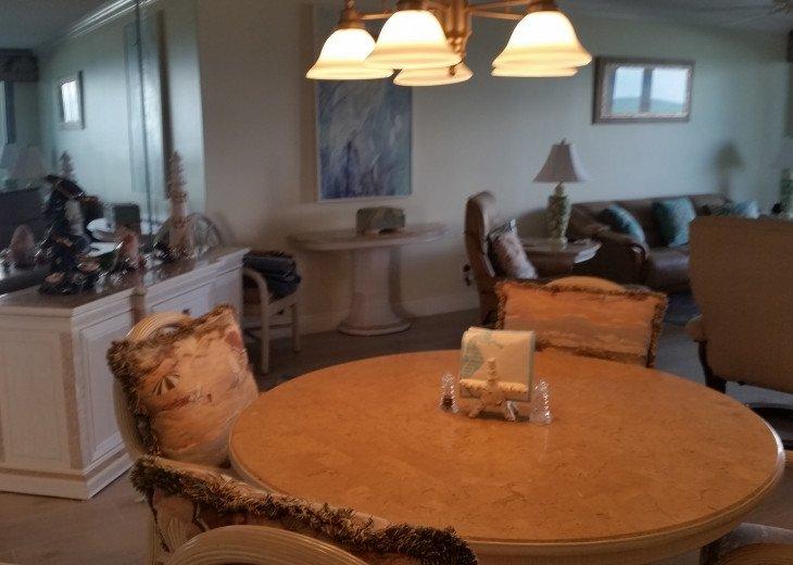 Ocean View Condo, steps from the beach on Beautiful Hutchinson Island- 3 mo.min. #15