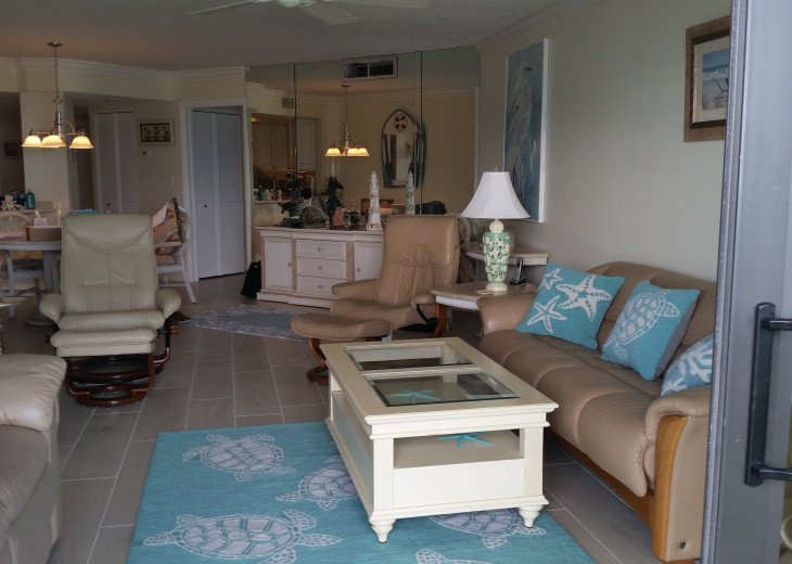 Ocean View Condo, steps from the beach on Beautiful Hutchinson Island- 3 mo.min. #7