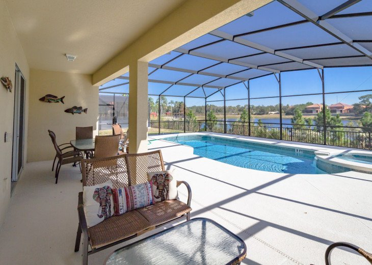 Enjoy your own outdoor veranda in this 5-bedroom with private pool and spa #40