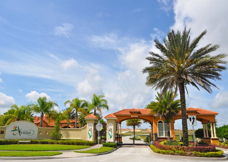 Luxury on the Lake!! New 5 Bedroom Home W. Theatre Room & Sports Package #56