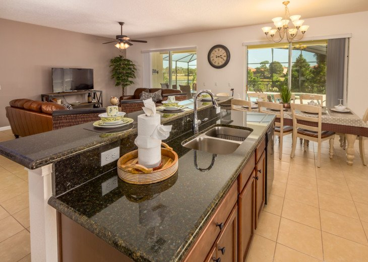 Luxury on the Lake!! New 5 Bedroom Home W. Theatre Room & Sports Package #5