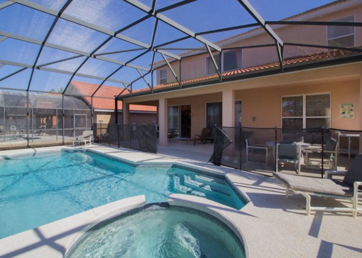 Enjoy privacy and unbeatable lake #34