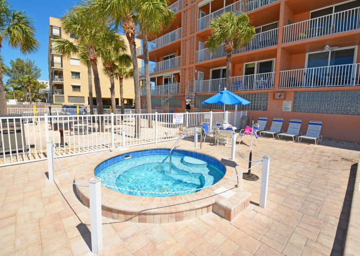 AMAZING Sand Castle II #206 GULF FRONT Spiral staircase to pool & beach #30