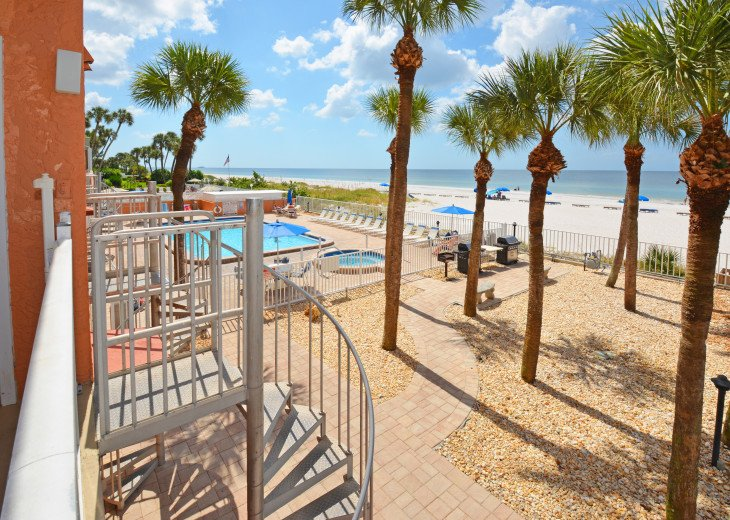 AMAZING Sand Castle II #206 GULF FRONT Spiral staircase to pool & beach #25