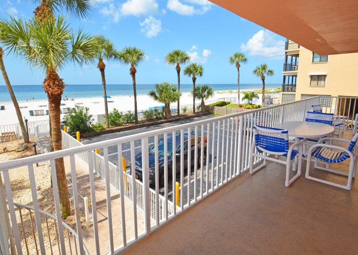 AMAZING Sand Castle II #206 GULF FRONT Spiral staircase to pool & beach #26