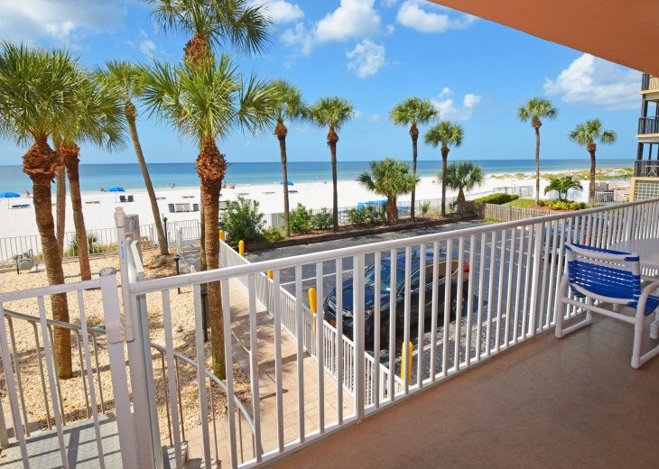 AMAZING Sand Castle II #206 GULF FRONT Spiral staircase to pool & beach #39
