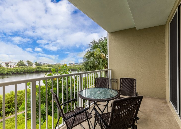Location! Location! View from both sides! 3 minute walk to beach U621 #5