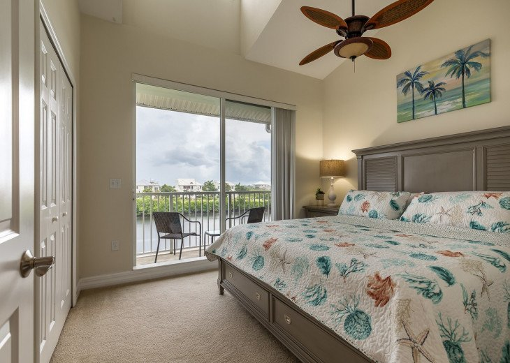 Location! Location! View from both sides! 3 minute walk to beach U621 #6