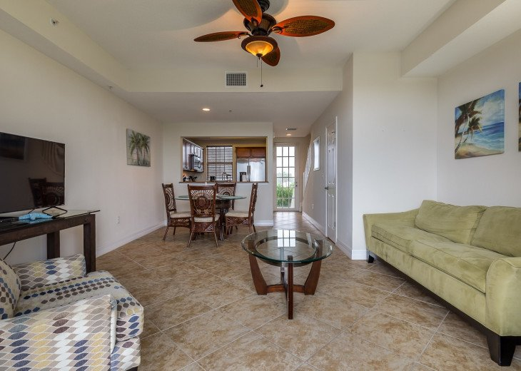 Location! Location! View from both sides! 3 minute walk to beach U621 #17