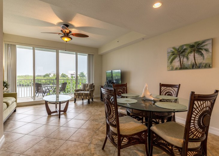 Location! Location! View from both sides! 3 minute walk to beach U621 #13