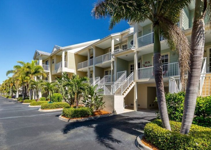 Marina View, 2min Walk to Beach, Waterfront 3b/3b Townhome U545 #9