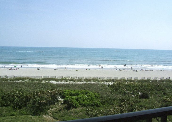 BEACH FRONT PENTHOUSE w/Private Balcony - Master Bedroom & Living Room on Ocean #30