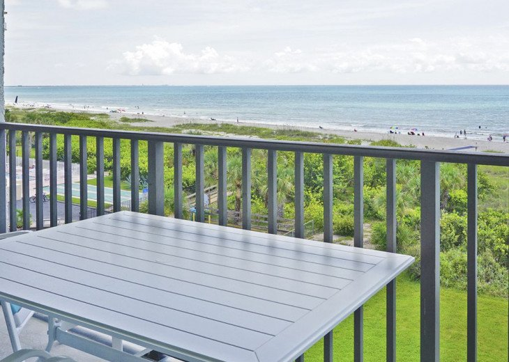 BEACH FRONT PENTHOUSE w/Private Balcony - Master Bedroom & Living Room on Ocean #14