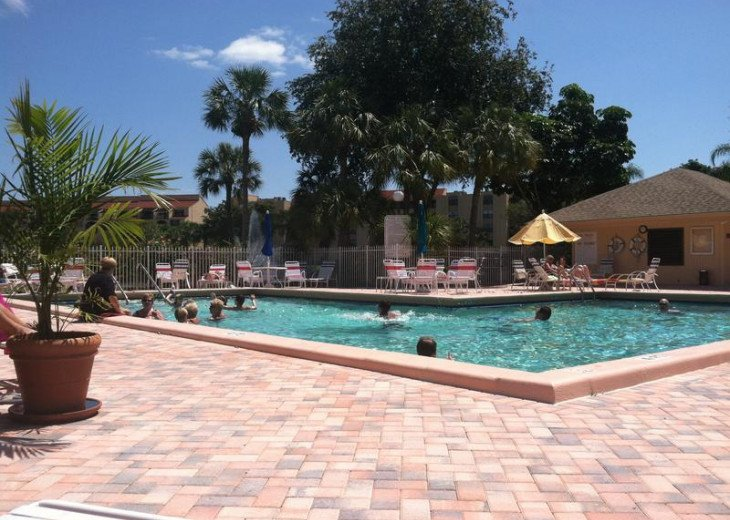Delray Racquet Club 1br/1ba, one mile to beach. #16