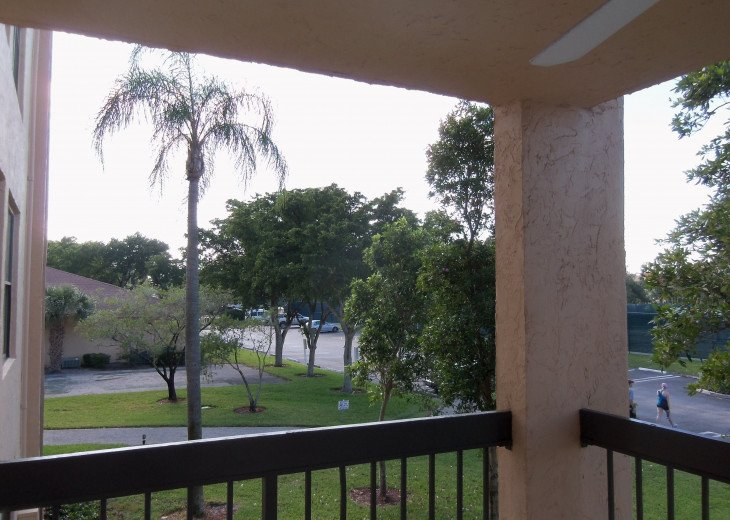 Delray Racquet Club 1br/1ba, one mile to beach. #14