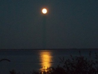 Full Moon over Bay