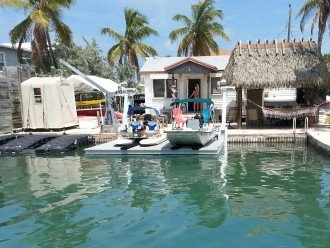 Kens Conch Key Cottage-2Br2Bth or 1Br1Bth Getaway + Optional motor boat rental #1