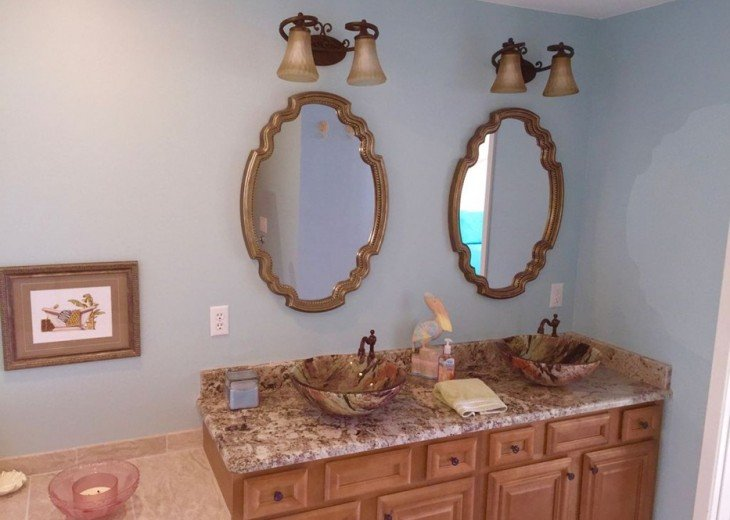 Double sinks and granite countertop in master bath