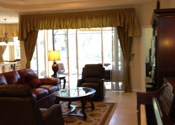 SPECIAL DEC-JAN--UPSCALE 2 BEDRM AND 2 BATH LAKE AND GOLF VIEW WITH PRIVATE POOL #4