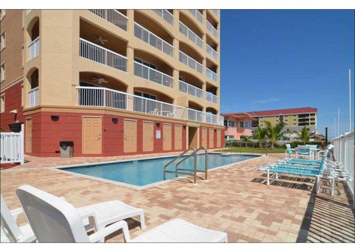 Pool area Ocean 12