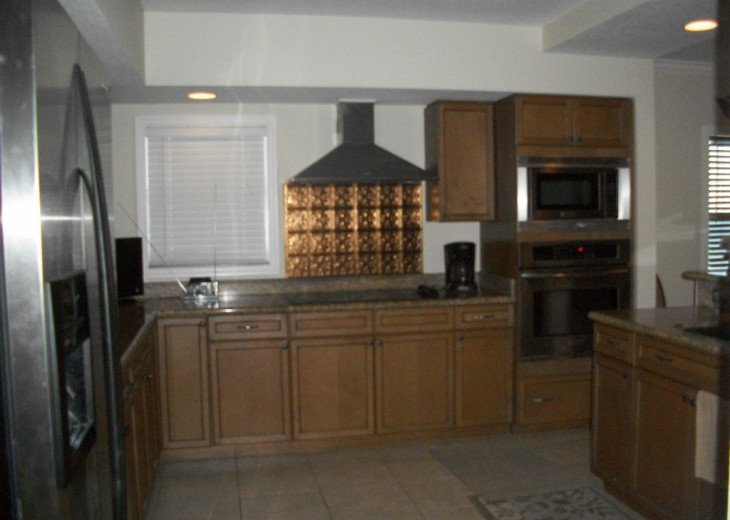 Kitchen boasts lots of room & Direct Gulf view