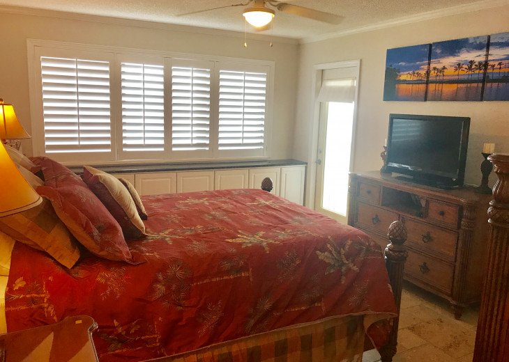 Master bedroom on ocean with balcony access