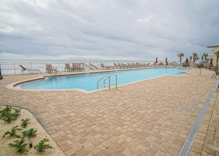 Bella Vista - Luxury Ocean Front Condo #9
