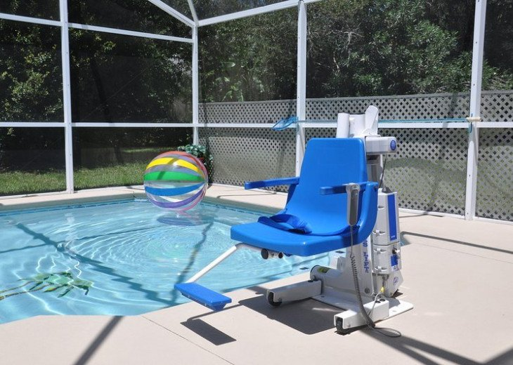 Palm Tree Villa Florida, 5 Star Review Rating with Pool Lift & Wheel in Shower #20