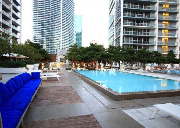 Miami Apartment Rental: Luxury Waterfront Condo In The Urban
