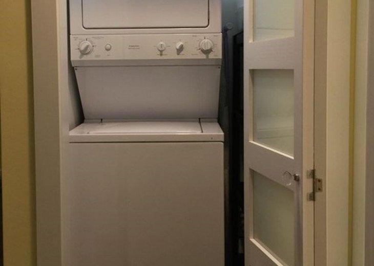 Cozy End Unit Condo in Truman Annex #16