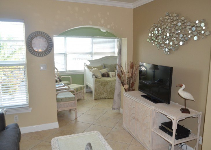 Welcome to Your Florida Home! Barefoot Beach Resort. Updated Unit New Furniture #7