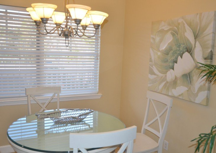 Welcome to Your Florida Home! Barefoot Beach Resort. Updated Unit New Furniture #15