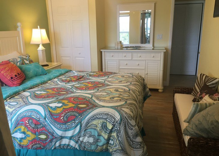 Welcome to Your Florida Home! Barefoot Beach Resort. Updated Unit New Furniture #9