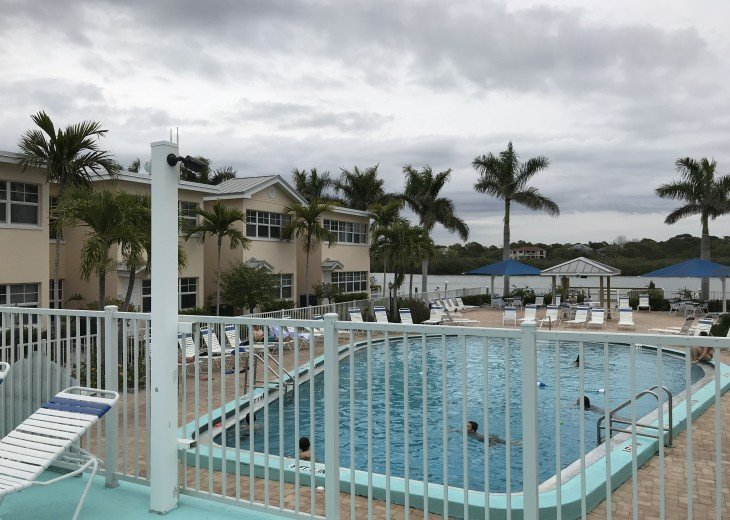 Welcome to Your Florida Home! Barefoot Beach Resort. Updated Unit New Furniture #37