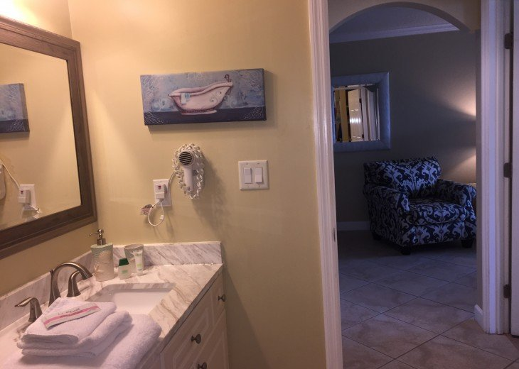 Welcome to Your Florida Home! Barefoot Beach Resort. Updated Unit New Furniture #6