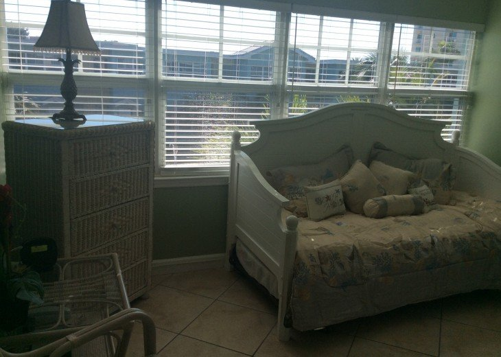 Welcome to Your Florida Home! Barefoot Beach Resort. Updated Unit New Furniture #34