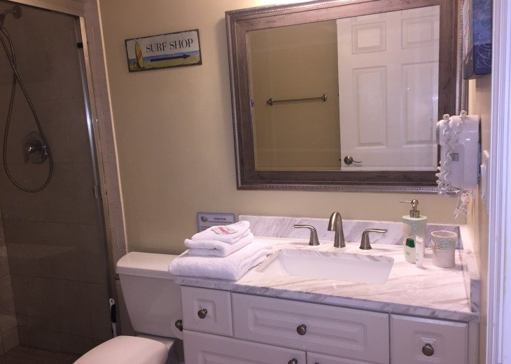 Welcome to Your Florida Home! Barefoot Beach Resort. Updated Unit New Furniture #23