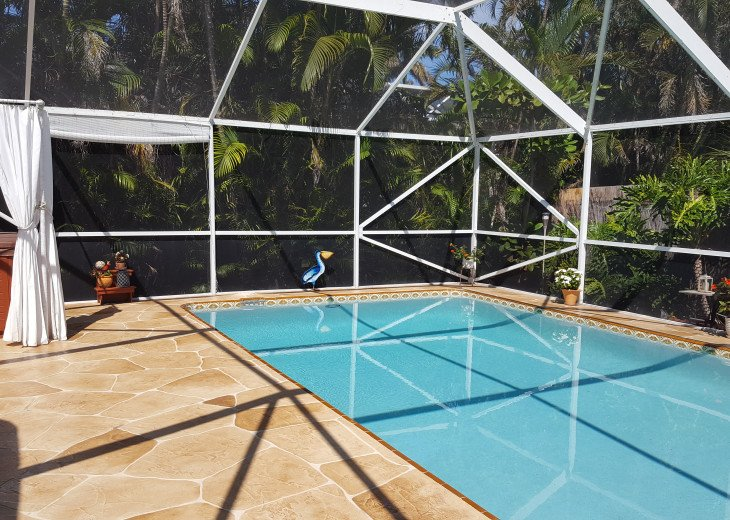 Lovely, Loaded, & Private 2-Bedroom Tropical Suite with HEATED Pool & Hot Tub!! #2