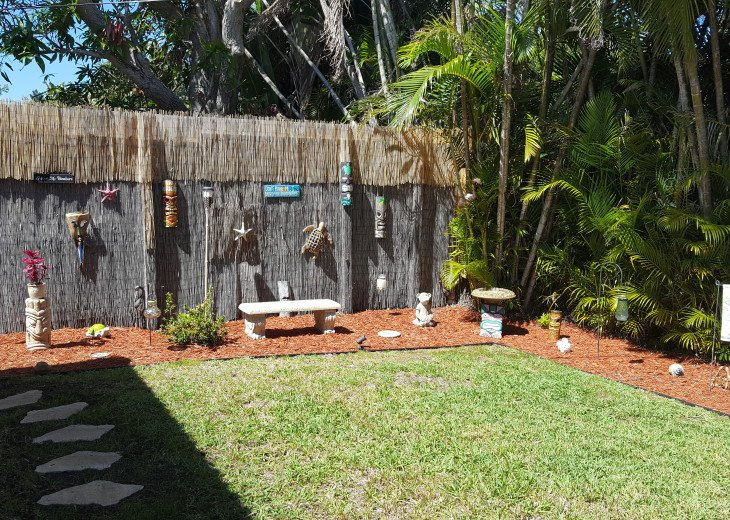 Lovely, Loaded, & Private 2-Bedroom Tropical Suite with HEATED Pool & Hot Tub!! #5