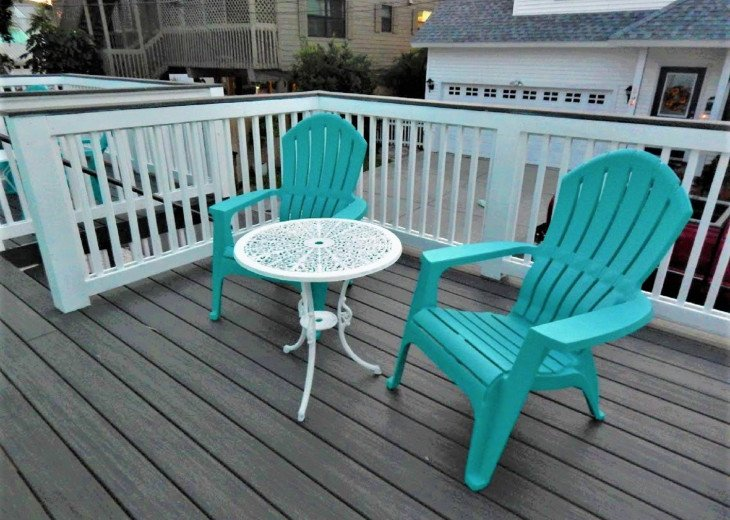 Bach Deck Seating Area