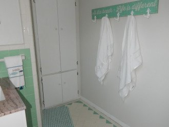 Cottage B- Bathroom