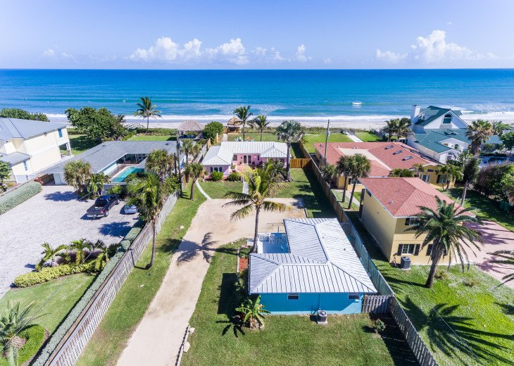Family retreat at the beach - direct oceanfront! #1