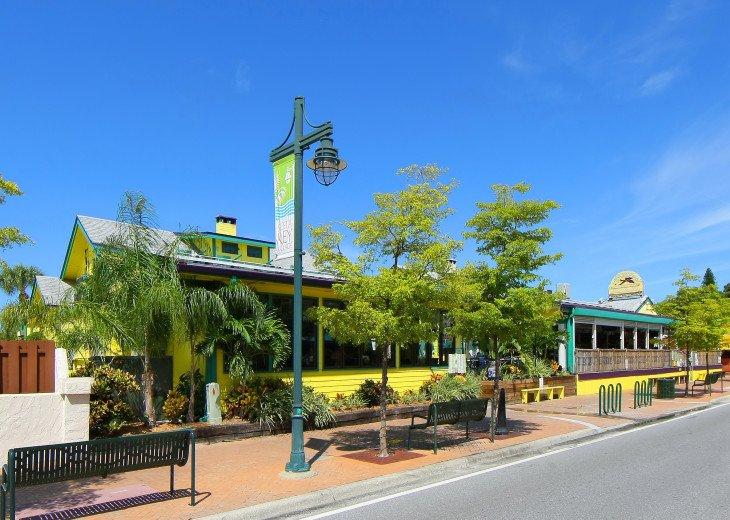 BEAUTIFUL WATERFRONT LUXURY Condo - Boat Dock - Walk to Siesta Key Beach!! #54