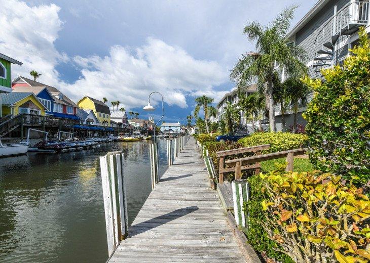 BEAUTIFUL WATERFRONT LUXURY Condo - Boat Dock - Walk to Siesta Key Beach!! #43
