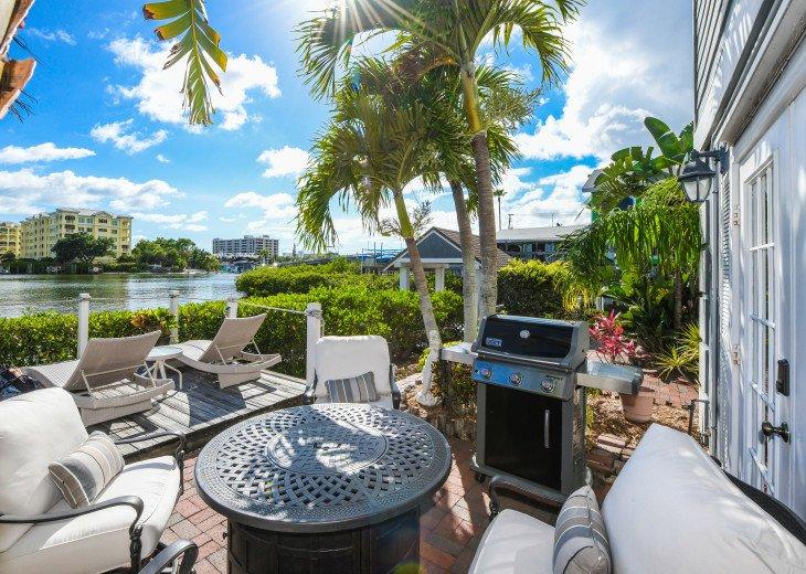 BEAUTIFUL WATERFRONT LUXURY Condo - Boat Dock - Walk to Siesta Key Beach!! #38